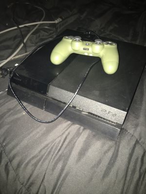 PlayStation 4 (500GB) for Sale in Lakeside, CA