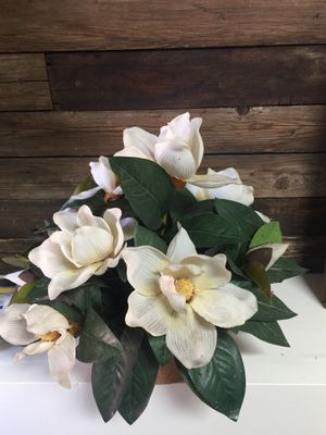 artificial flowers with brown pot for Sale in Goodyear, AZ