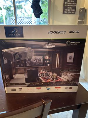 Projector/Screen for Sale in Lake Worth, FL