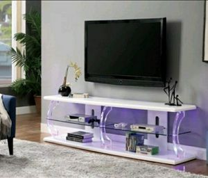 Contemporary Wood 60-inch TV Stand in High Gloss White Finish for Sale in Diamond Bar, CA