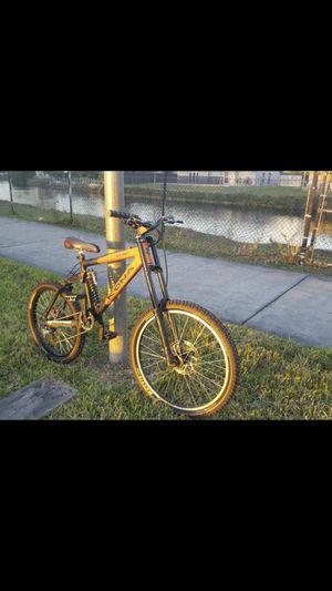 kona Stinky Downhill Mountain Bike for Sale in Miami, FL