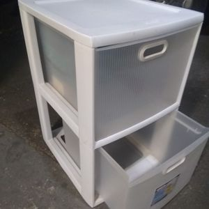 2 Drawer Plastic storage for Sale in Phoenix, AZ