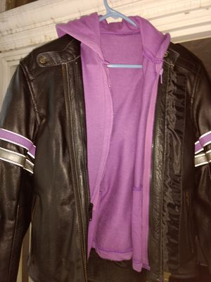 Women's extra small heavy leather jacket with hoodie liner for Sale in Tarentum, PA