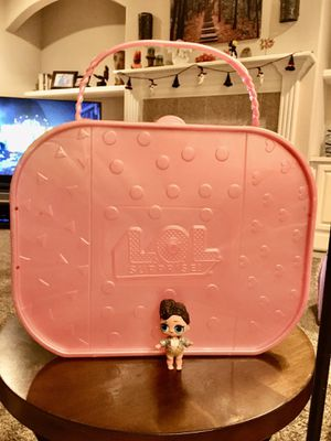 LOL DOLL HOLDER CASE! LARGE PINK GLITTERYH CASE WITH HANDLE! INCLUDES ONE DOLL! for Sale in Modesto, CA