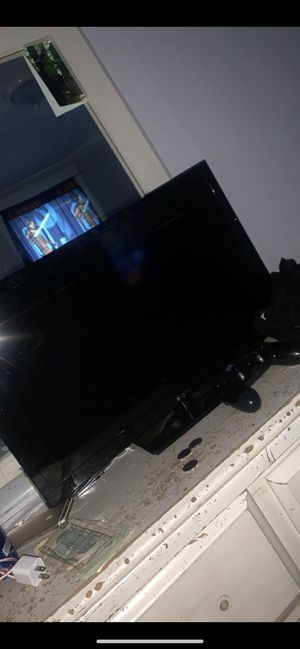 Tv 27 inch for Sale in Cleveland, OH