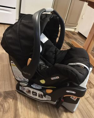 Chicco Keyfit 30 Car seat & Base for Sale in Winston-Salem, NC