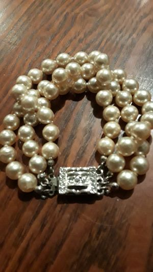Cute fake pearl bracelet for Sale in New York, NY