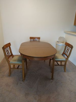 Kitchen table & 3 matching chairs for Sale in Azalea Park, FL