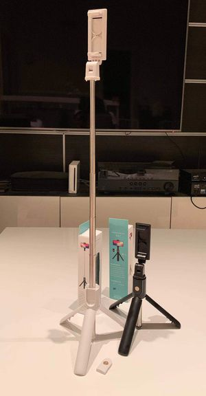 New in box $10 each Bluetooth connect black or white color extendable selfie photography stick with removable trigger shutter controller easy setup for Sale in Whittier, CA