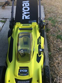 RYOBI 20 in. 40-Volt Brushless Lithium-Ion Cordless Battery Walk Behind Push Lawn Mower 6.0 Ah Battery/Charger Included LIKE NEW WORKING GOOD ‼️ for Sale in Houston,  TX