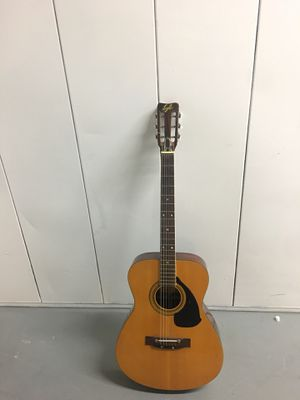Lyle Guitar for Sale in St. Louis, MO