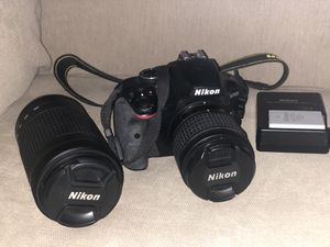 Nikon D3400 with interchangeable lenses for Sale in Pompano Beach, FL