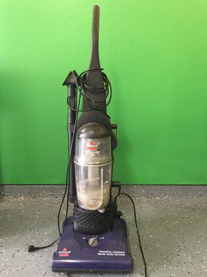 Vacuum cleaner Bissel for FREE for Sale in Frisco, TX