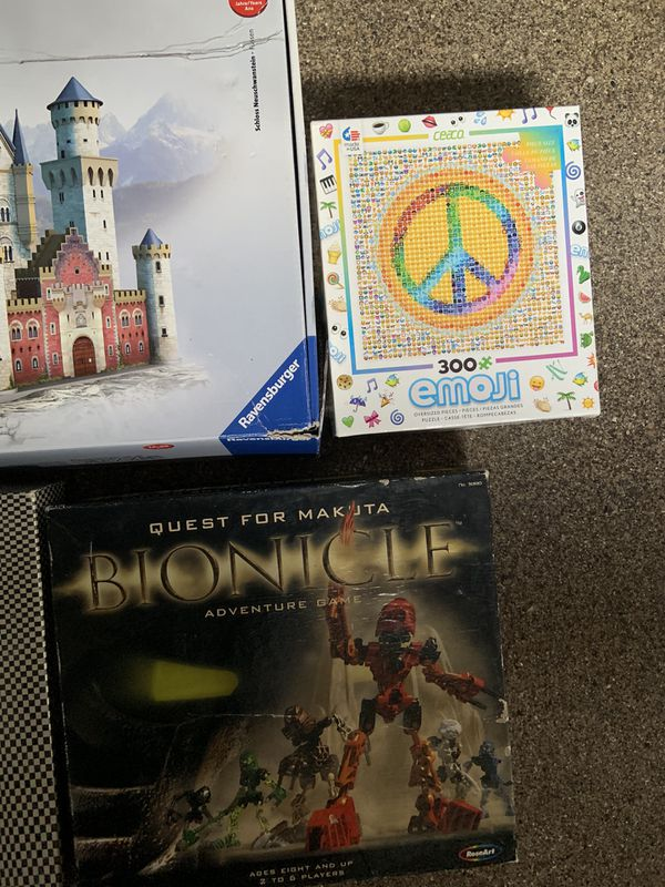 Board games and puzzles lot
