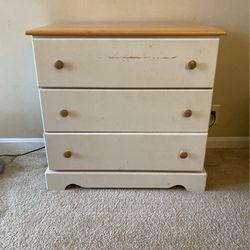 White Child's Dresser for Sale in Alexandria,  VA