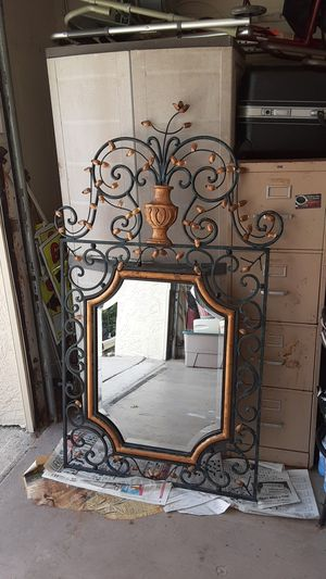 Artistic large mirror for Sale in Palm Harbor, FL