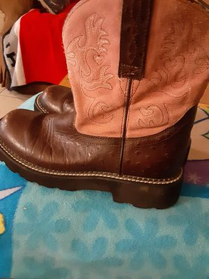 Womens ariat boots size 8 and half for Sale in San Antonio, TX