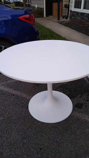 Ikea table for Sale in Hilliard, OH