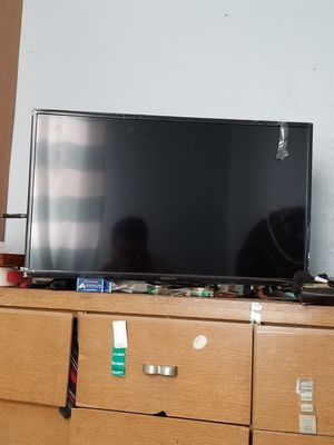 32 inch tv for Sale in Pittsburgh, PA