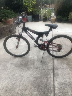 Mongoose 26' mountain bike for Sale in Elk Grove, CA