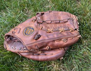 Wilson A2000 XLC Vintage Baseball Glove for Sale in Kenmore, WA