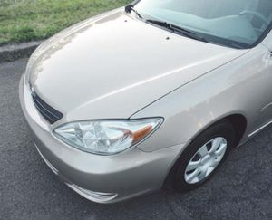 Clean title.#2OO4 Toyota Camry Le for Sale in Thermopolis, WY