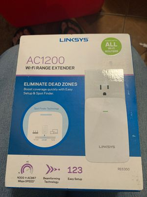 Linksys AC1200 WiFi range extender for Sale in Los Angeles, CA