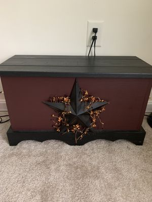 Handmade Amish Country Wooden Chest & Mini Chest for Sale in Manassas, VA