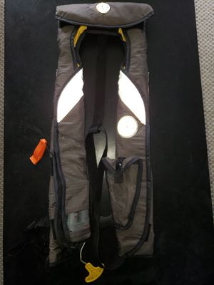 Mustang PFD vest auto inflate for Sale in Toledo, OH