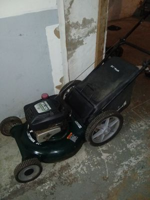 Craftsman 6.0 lawn mower runs great for Sale in Philadelphia, PA