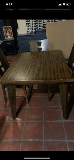 Dining table with 4 chairs for Sale in Los Angeles, CA