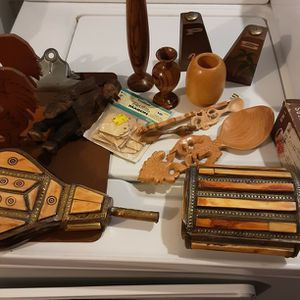 Lot Of Wood Items Boat,rulers, S & P Shakers Etc... for Sale in Cleveland, OH