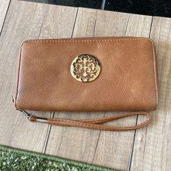 Women's Wallet for Sale in Nashville,  TN