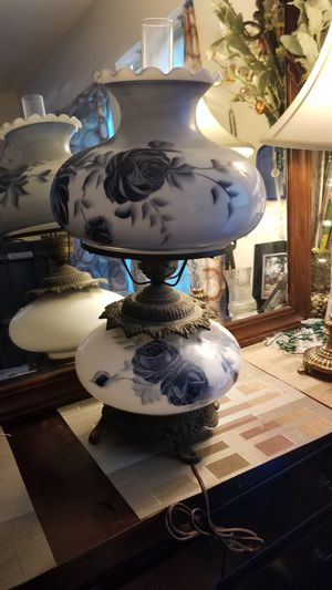 Vintage Large GWTW Hurricane Polar Lamp hand painted blue rose Flowers for Sale in Stafford, VA