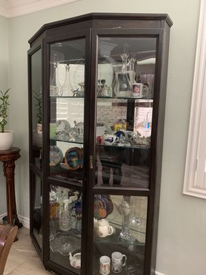 Antique China Cabinet for Sale in Chino, CA