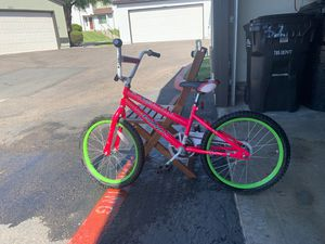Girl bike 20 inch ready to ride for Sale in San Diego, CA