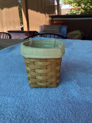 Longaberger basket - small for Sale in Glendale, CA