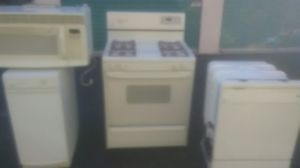 Gas Self Cleaning Stove Dishwasher 1000 over counter microwave (matching set) for Sale in Philadelphia, PA