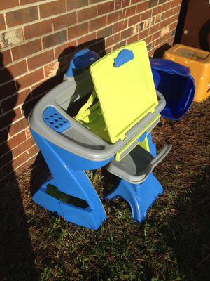 KIDS CREATIVITY DESK AND EASEL for Sale in Norfolk, VA