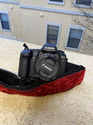 Canon 5D Mark II with Velvet Strap for Sale in Dallas, TX