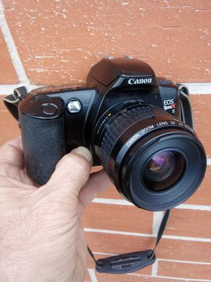 Canon 35mm Film Camera with Batteries! for Sale in Montclair, CA