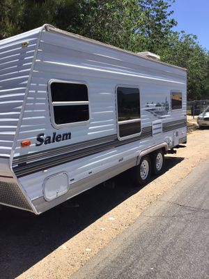05 Salem light 22 ft for Sale in Scottsdale, AZ