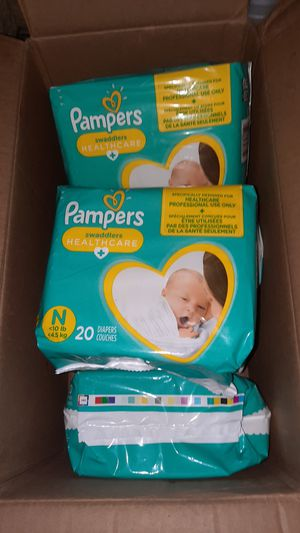 PAMPERS SWADDLERS NEWBORNS for Sale in Beaufort, SC
