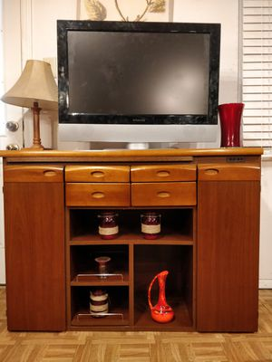 """Nice cabinet/TV stand/buffet with drawers and shelves in good condition. L45.5""""*W17.5""""*H33"""" for Sale in Annandale, VA"""