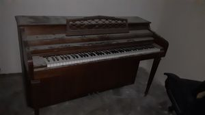 PIANO!! SOUNDS GREAT!! 150$ for Sale in Gardena, CA