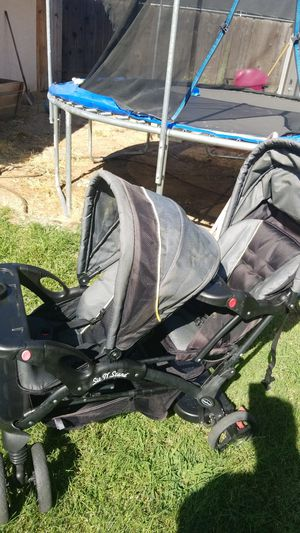 Double stroller in great condition asking for Sale in Fresno, CA