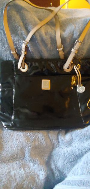 Grace Adele purse w wallet for Sale in Newton, IA