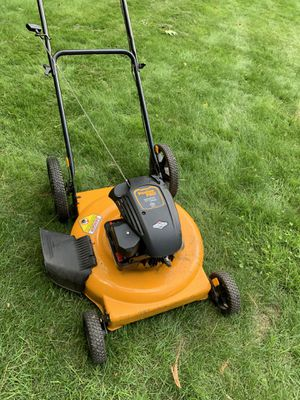 Poulan pro lawn mower 550 series for Sale in Tewksbury, MA