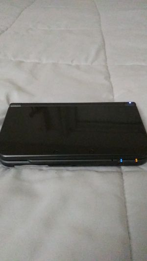 New 3DS XL for sale w/ 3 games and BRAND NEW charger included for Sale in Imperial Beach, CA
