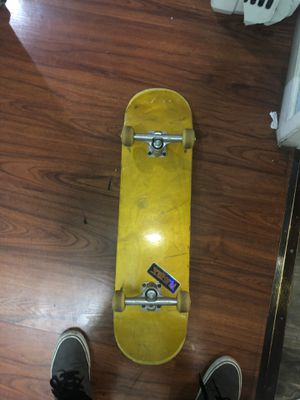 Skateboard Only used for 2 weeks for Sale in Buena Park, CA